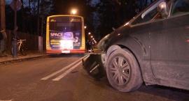 Zderzenie forda z autobusem