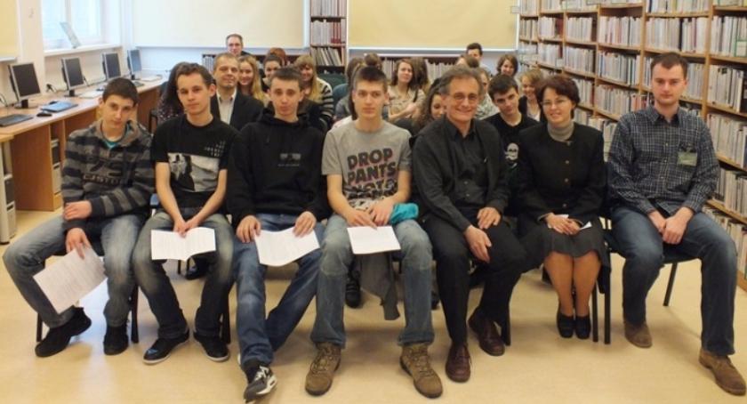 Szkoły, rankingu najlepszych liceów warszawskich jednego Ursusa! - zdjęcie, fotografia
