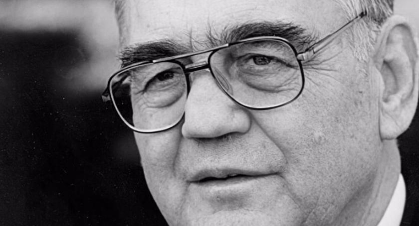 Urząd dzielnicy, zmarł Henryk Linowski wieloletni burmistrz Ursusa przewodniczący Dzielnicy - zdjęcie, fotografia