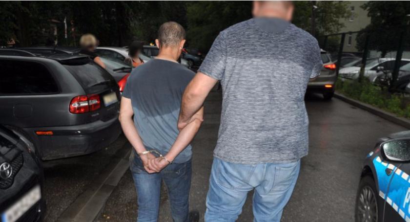 Zatrzymany 41-latek z Pruszkowa za usiłowanie zabójstwa w Ursusie na ul. Sosnkowskiego