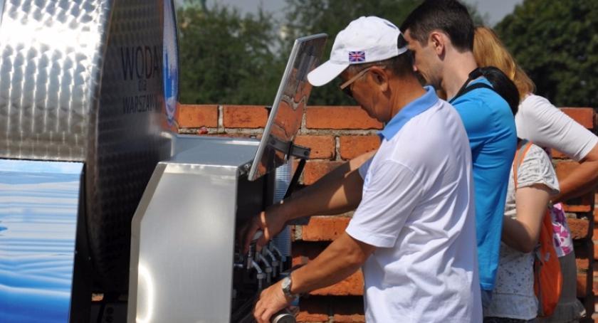 Urząd dzielnicy, lipca spadek ciśnienia przerwy dostawach Ursusie okolicach - zdjęcie, fotografia