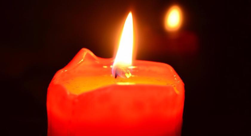 8 grudnia 2017 r. o godz. 16:00 zapłonie pierwsza świeczka przed ursuskim ratuszem