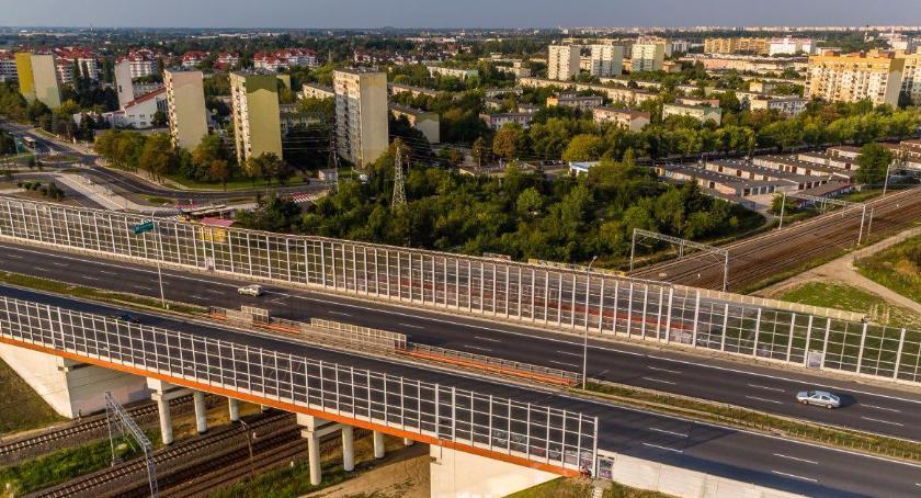 INWESTYCJE DROGOWE, Budowa dróg dojazdowych wiaduktu priorytetowym zadaniem dzielnicy - zdjęcie, fotografia