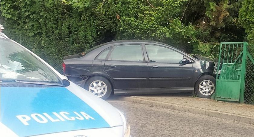 Policjanci z Ursusa zatrzymali szarżującego Gruzina, który chciał uciec, bo miał nielegalne papierosy