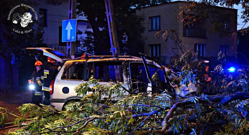 """Na Spisaka auto uderzyło w drzewo i stanęło w płomieniach – relacjonuje reporter WGF """"Luka@Maro"""""""