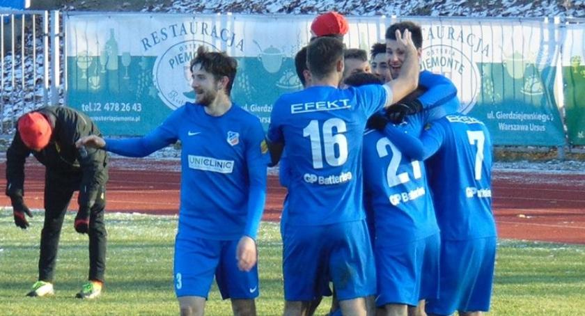Piłka nożna, Ursuskie Orły przegrały niedzielę Łódź Dlaczego zrezygnowały starcie! - zdjęcie, fotografia