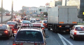 Na skrzyżowaniu Alei Jerozolimskich z Ryżową audi uderzyło w hondę