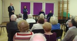 Policja spotkała się z seniorami i… rozmawiali o zagrożeniach związanych z wiekiem