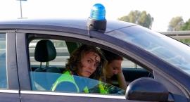 Rześki 50-latek z ul. Traktorzystów sunął po niej autem marki Saab bez prawa jazdy