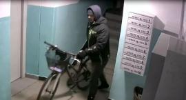 Poszukiwany mężczyzna, który ukradł dwa rowery.