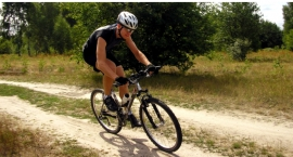 Zaczął się sezon dla cyklistów. Uciekajmy w weekendy z miasta rowerem!