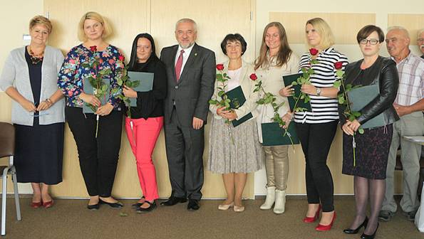 urzędy i administracja , Awans nauczycieli gminie Michałowice - zdjęcie, fotografia