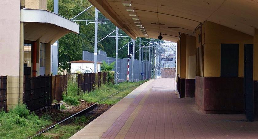 komunikacja, duże tempo pracach linii Grodzisk Mazowiecki Warszawa - zdjęcie, fotografia
