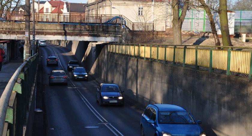 komunikacja, Brwinów informuje kierowców utrudnieniach ruchu wahadłowym tunelu - zdjęcie, fotografia