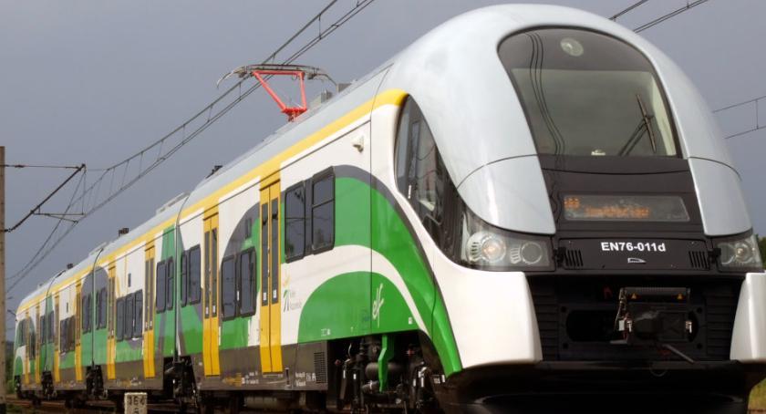 komunikacja, najbliższą niedzielę zmiana rozkładu jazdy pociągów - zdjęcie, fotografia
