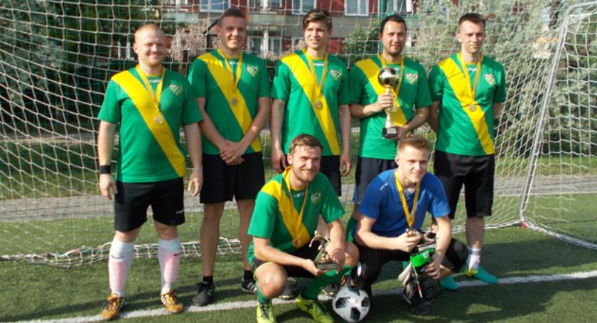 piłka nożna, LigaSzóstek Piłkarskich Mantika zwyciężyła Pucharze - zdjęcie, fotografia