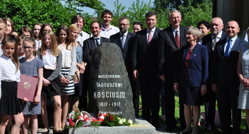 inwestycje, Obelisk Kościuszki Pszczelinie - zdjęcie, fotografia