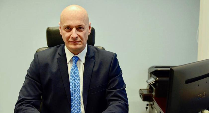 urzędy i administracja , Wyjaśnienia dotyczące statusu Dariusza Nowaka byłego członka Zarządu Powiatu Pruszkowskiego - zdjęcie, fotografia
