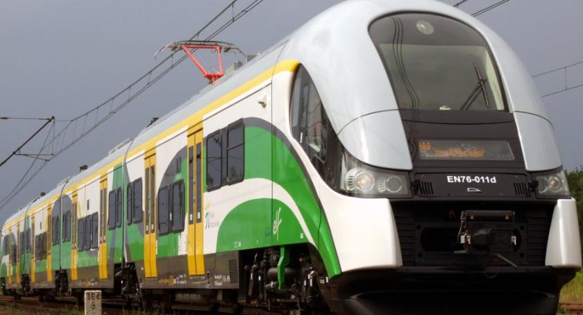 komunikacja, Uwaga! Utrudnienia ruchu pociągów - zdjęcie, fotografia
