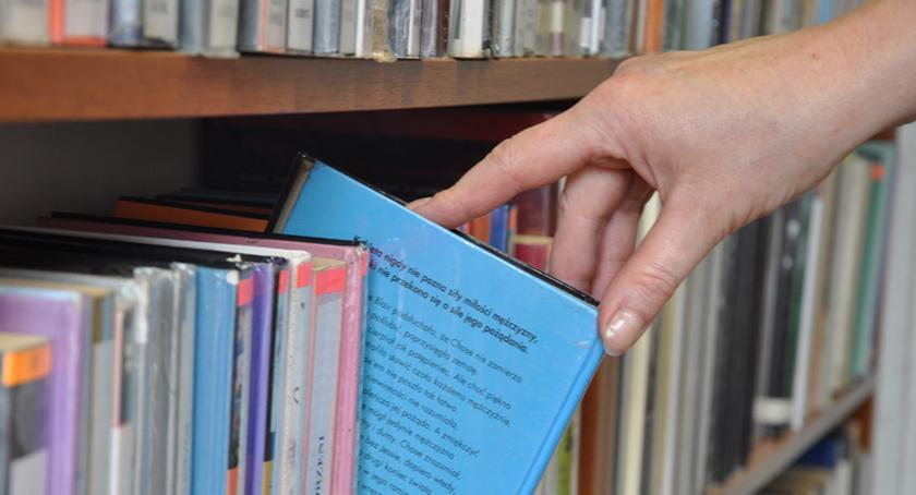 rozrywka, Biblioteka Publiczna Brwinowie rzuca wyzwanie - zdjęcie, fotografia