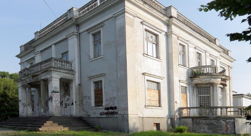 inwestycje, Zmiana wykonawcy remontu pałacu Brwinowie - zdjęcie, fotografia