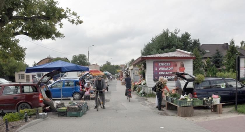 inwestycje, Brwinowskie targowisko wykonawcę - zdjęcie, fotografia
