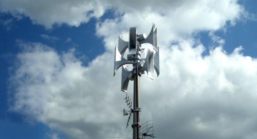 urzędy i administracja , Syreny alarmowe systemu wczesnego ostrzegania - zdjęcie, fotografia