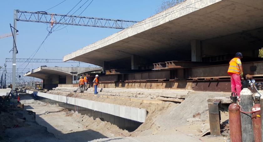 inwestycje, Pruszkowie rozpoczęto kolejny przebudowy stacji - zdjęcie, fotografia