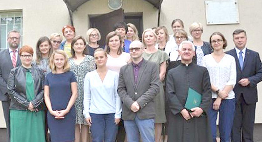 urzędy i administracja , Awans nauczycieli gminie Brwinów - zdjęcie, fotografia
