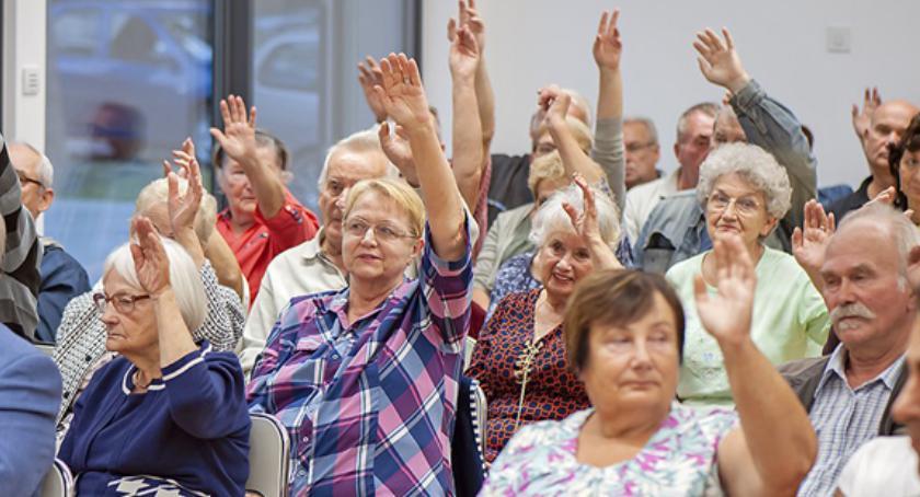 radni , Zebranie mieszkańców Opaczy Kolonii - zdjęcie, fotografia