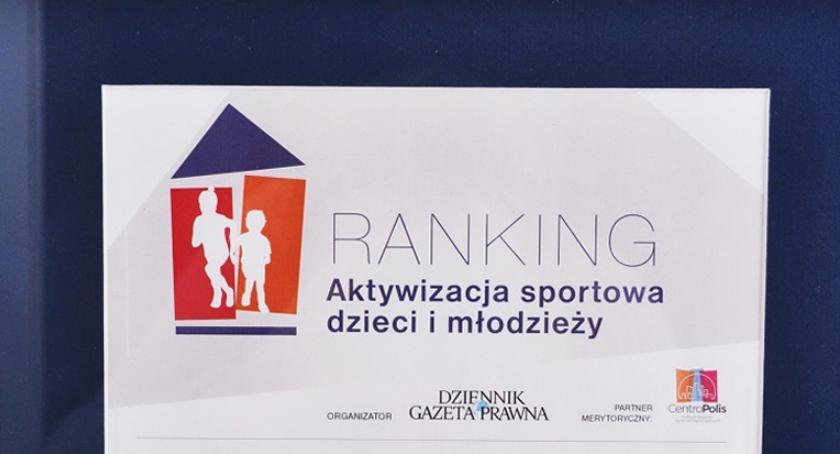 """inwestycje, Gmina Brwinów rankingu """"Aktywizacja sportowa dzieci młodzieży"""" - zdjęcie, fotografia"""