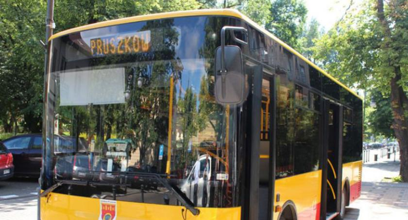 komunikacja, Komunikacja autobusowa listopada Pruszkowie - zdjęcie, fotografia