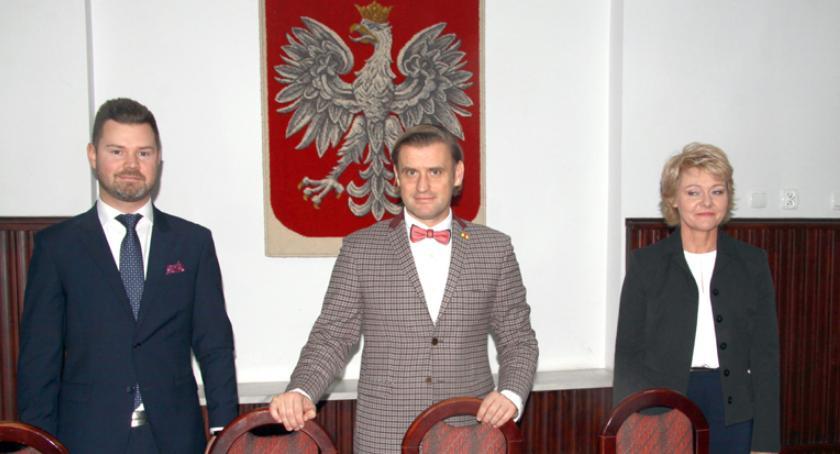 urzędy i administracja , Prezydent Pruszkowa Paweł Makuch powołał swoich zastępców - zdjęcie, fotografia