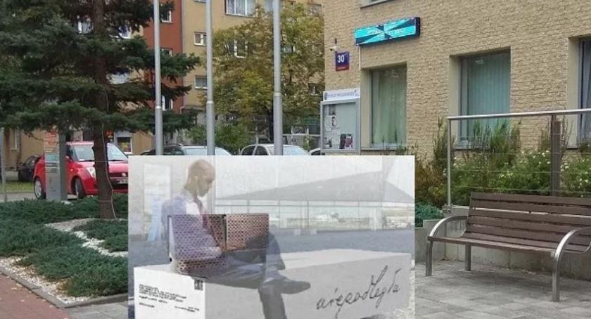 """święta kościelne i państwowe , """"Ławka Niepodległości"""" Pruszkowie - zdjęcie, fotografia"""
