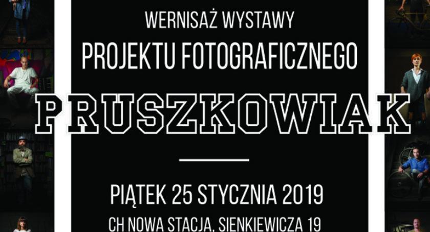 """wystawy, Wernisaż wystawy """"Pruszkowiak"""" Stacja Pruszków - zdjęcie, fotografia"""
