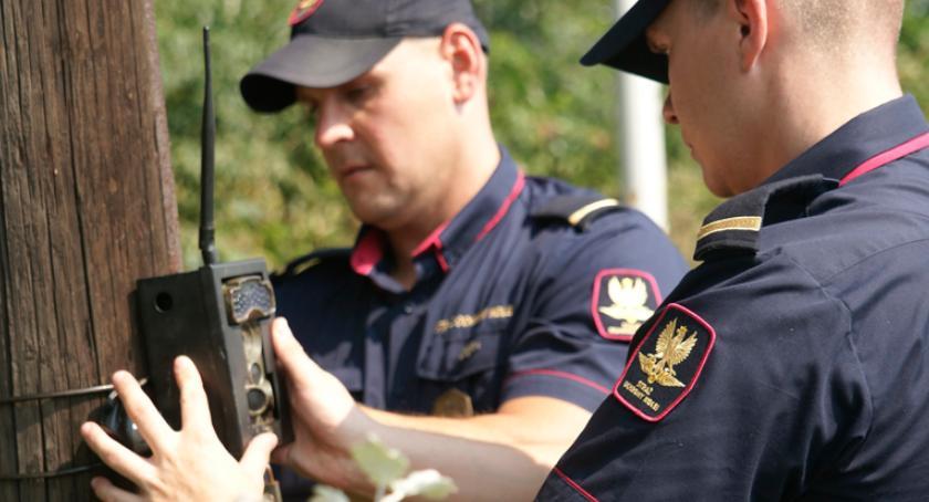 kradzieże włamania, Sochaczewie latek rozkręcał wpadł dzięki pułapce - zdjęcie, fotografia
