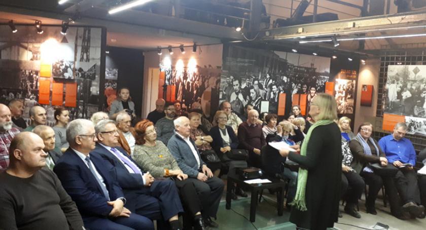 polityka, Żołnierze Wyklęci niezłomni bohaterowie podziemnej Polski Walczącej - zdjęcie, fotografia