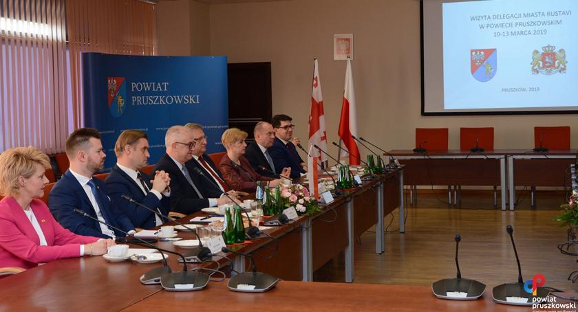 urzędy i administracja , Samorządowcy gruzińskiego Rustawi Pruszkowie - zdjęcie, fotografia