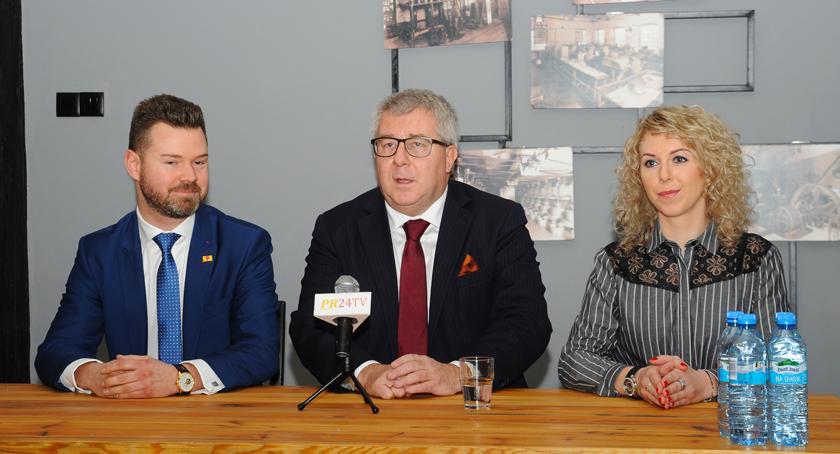 polityka, Spotkanie Pruszkowie Ryszardem Czarneckim - zdjęcie, fotografia