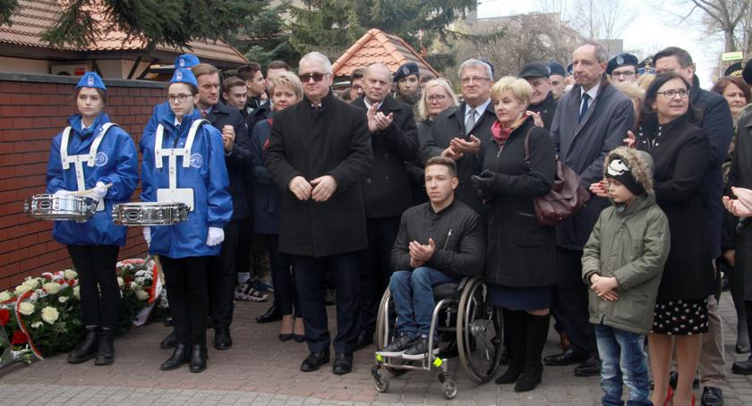 """święta kościelne i państwowe , Obchody rocznicy porwania """"SZESNASTU"""" - zdjęcie, fotografia"""