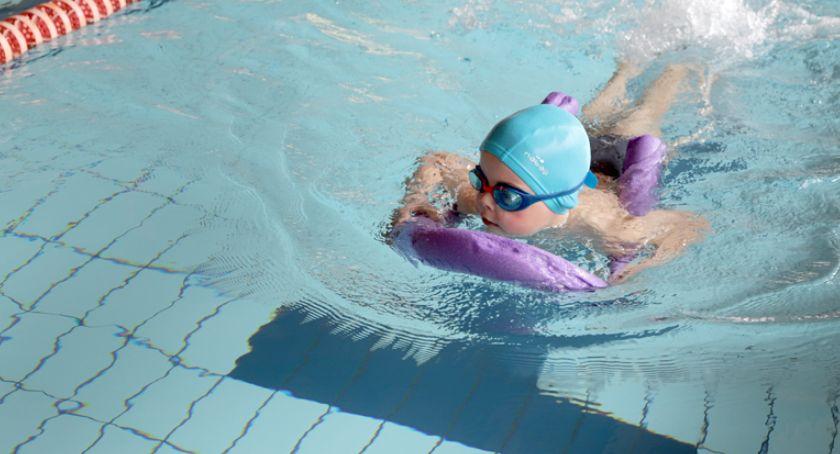 pływanie, zawody pływackie Pruszkowie dzieci zaburzeniami spektrum autyzmu - zdjęcie, fotografia
