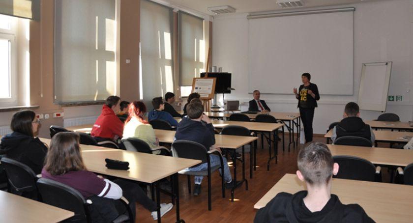 edukacja, Podsumowanie projektu uczniów gminie Brwinów - zdjęcie, fotografia