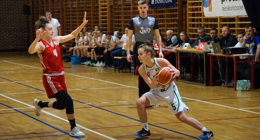 koszykówka, Sobota kobiecą koszykówką Pruszkowie - zdjęcie, fotografia