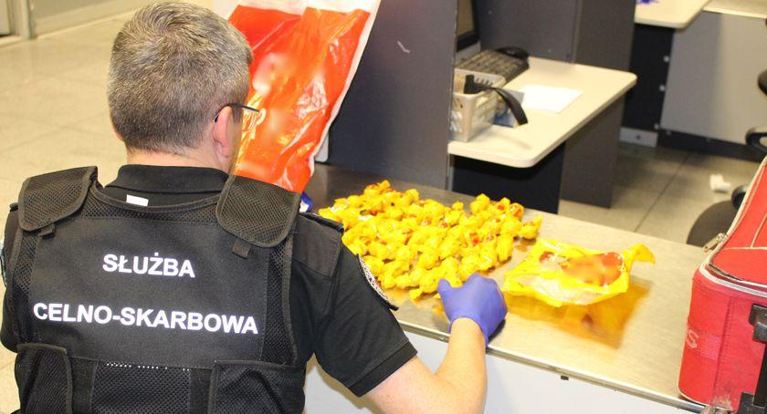bezpieczeństwo, Słodka kokaina bagażu obywatelki Brazylii - zdjęcie, fotografia
