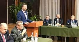 Idea budowy pomnika upamiętniającego 100 rocznicę odzyskania niepodległości trafia z Rady Powiatu do