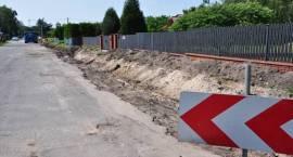 Budowa ciągu pieszo-rowerowego w Żółwinie w gminie Brwinów