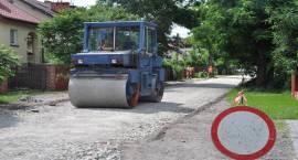 Ruszyła tegoroczna naprawa dróg w gminie Brwinów