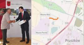 Podpisanie umowy na obwodnicę Moszny w gminie Brwinów