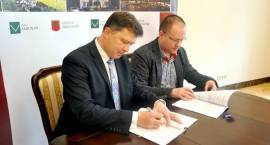 Umowa na budowę świetlicy w Domaniewie podpisana