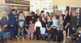ZIMA MROŹNA NAM NIEGROŹNA - Gwiazdy wspierają dzieci z potrzebujących rodzin
